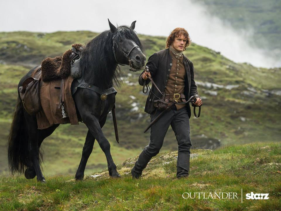 Jamie-with-horse-on-Outlander