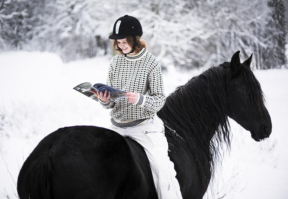 matilde_brandt_miina_anahita_baroque_horse_magazine12