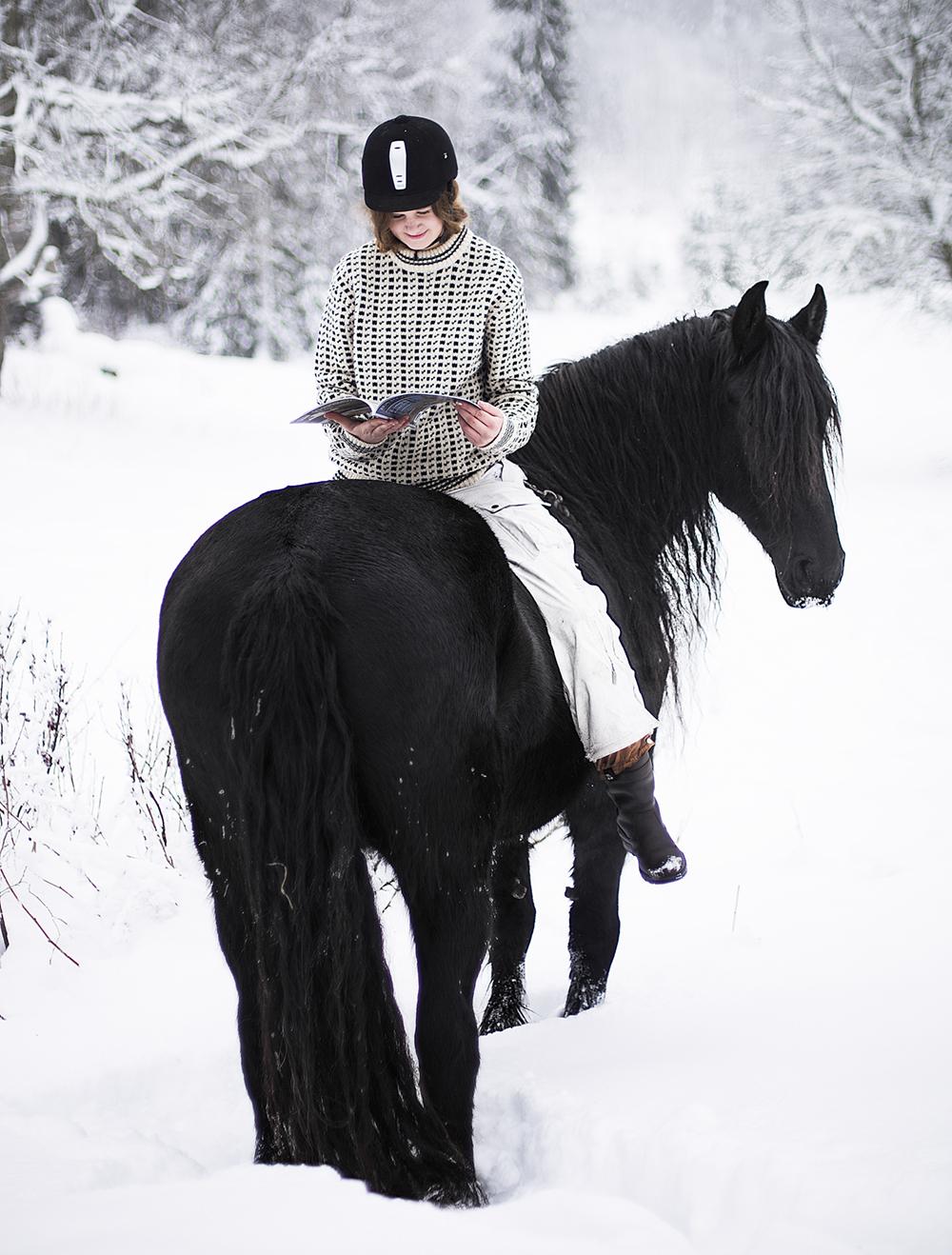 matilde_brandt_miina_anahita_baroque_horse_magazine14