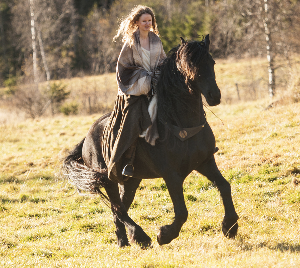 outlander_photoshoot_friesian36