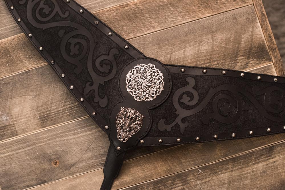 viking_medieval_breast_collar